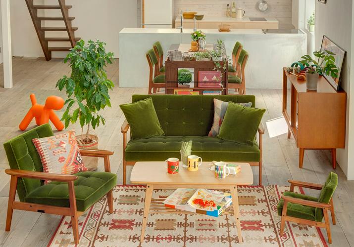 カリモク60 ソファ Kチェア モケットグリーンを家族暮らしの家庭で使うコーディネート