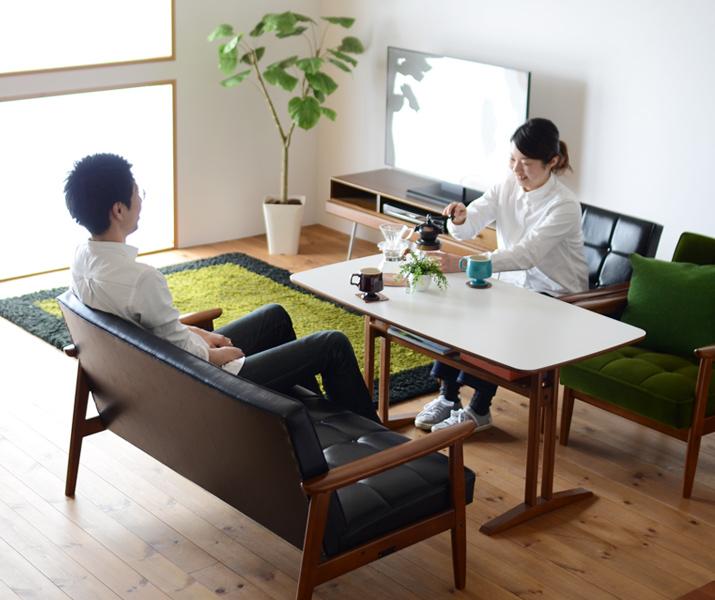 カリモク60 カフェテーブルとKチェアのコーディネート