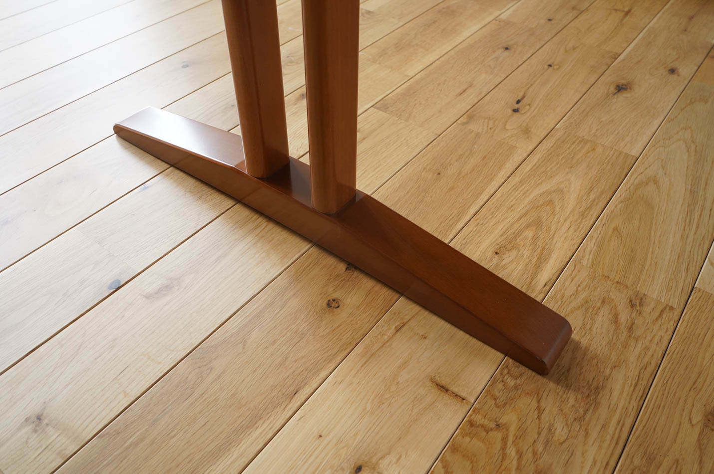 カリモク60+ カフェテーブル1200 脚部