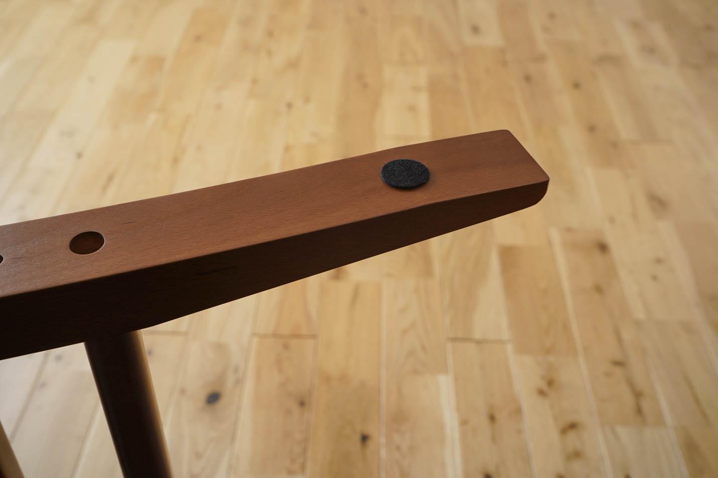 カリモク60+ カフェテーブル1200 脚部設置面