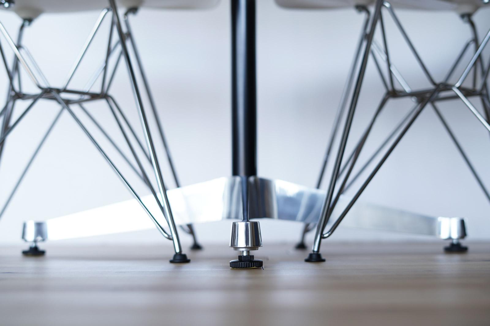 DSRの脚とテーブルの脚