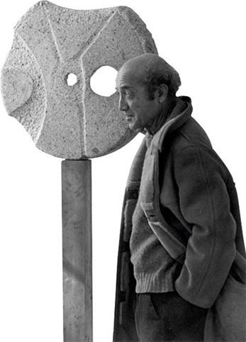 彫刻家ノグチイサム