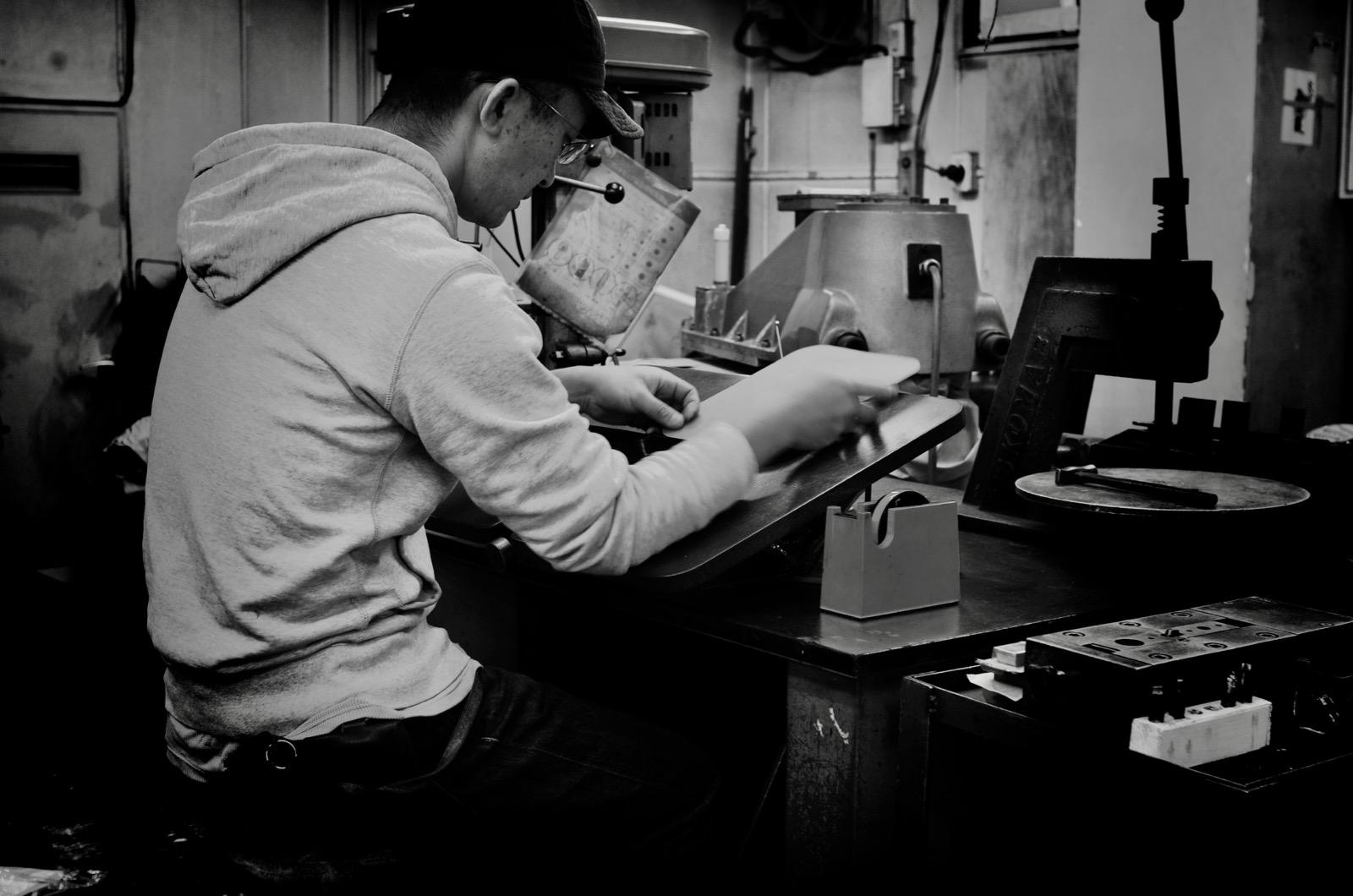 日本の職人による手作りです