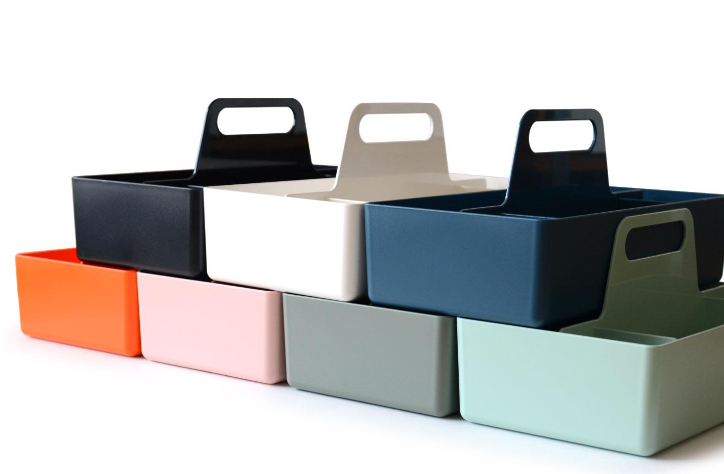 ヴィトラ(Vitra)ツールボックス(Toolbox)の表面はややマットな質感