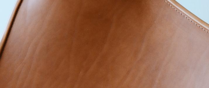 CUERO(クエロ) バタフライチェア BKFチェアの革は最高品質