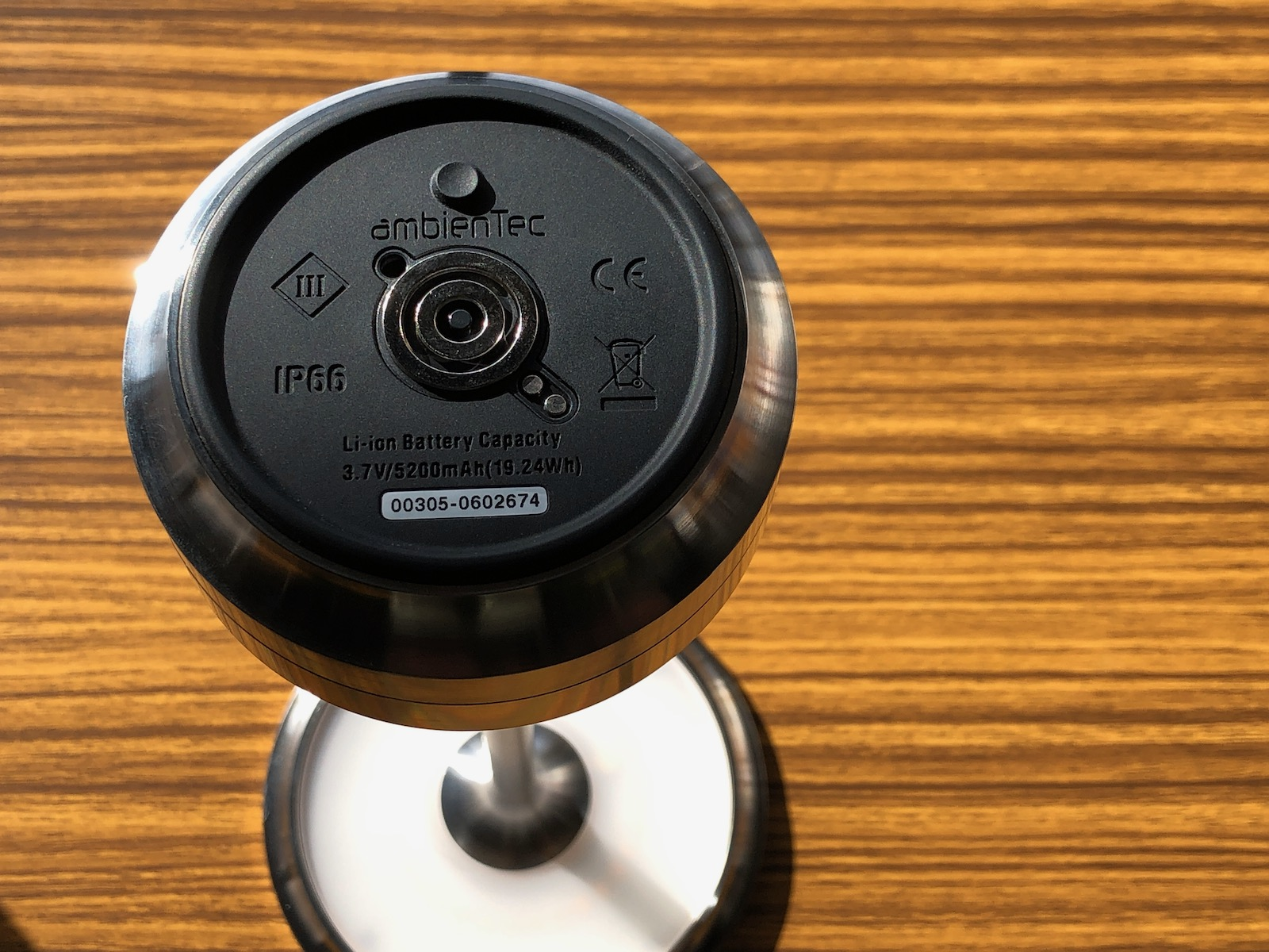 本体裏のボタン