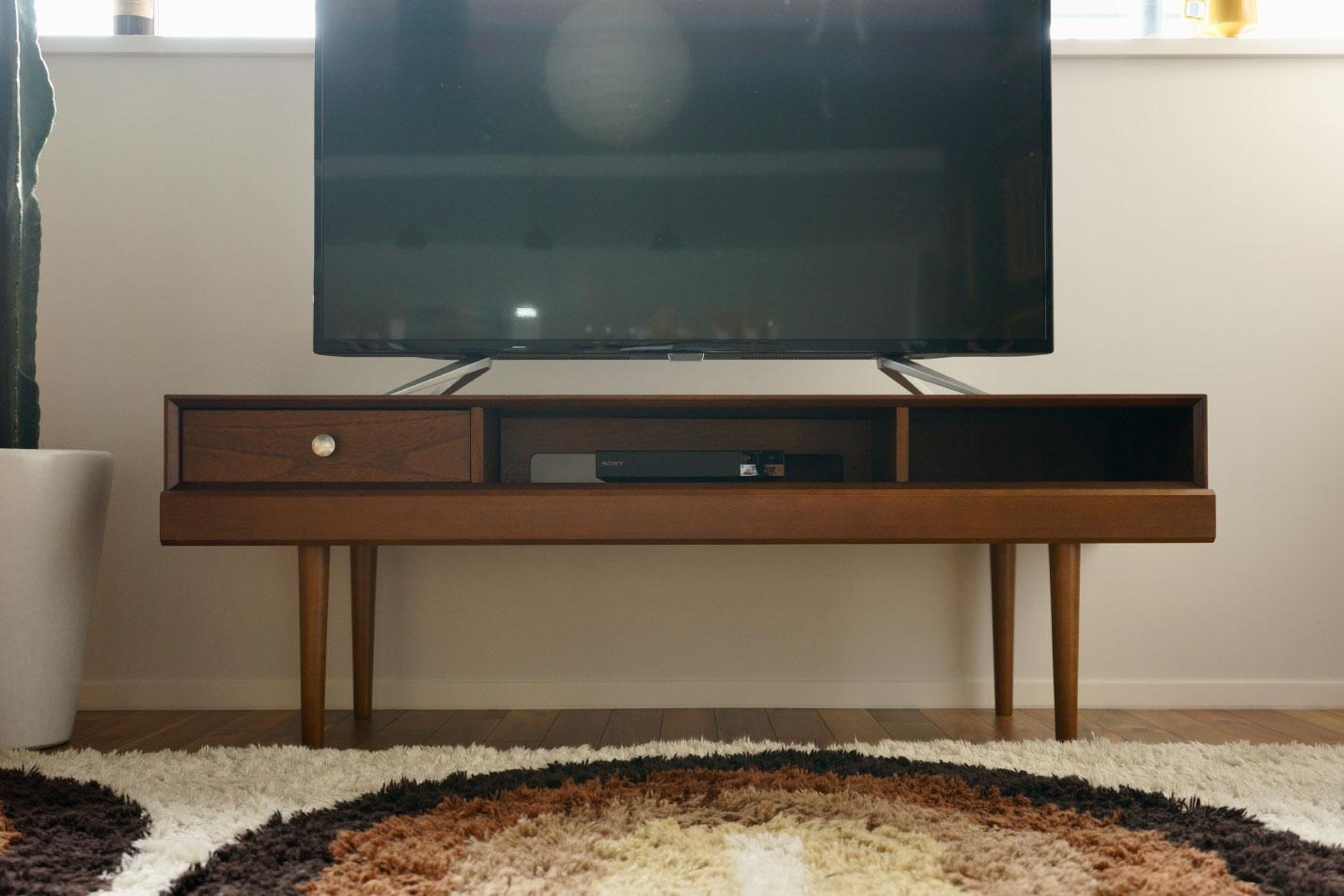826STANDARD UNIT(826スタンダード ユニット)テレビボードとカリモク60 Kチェア