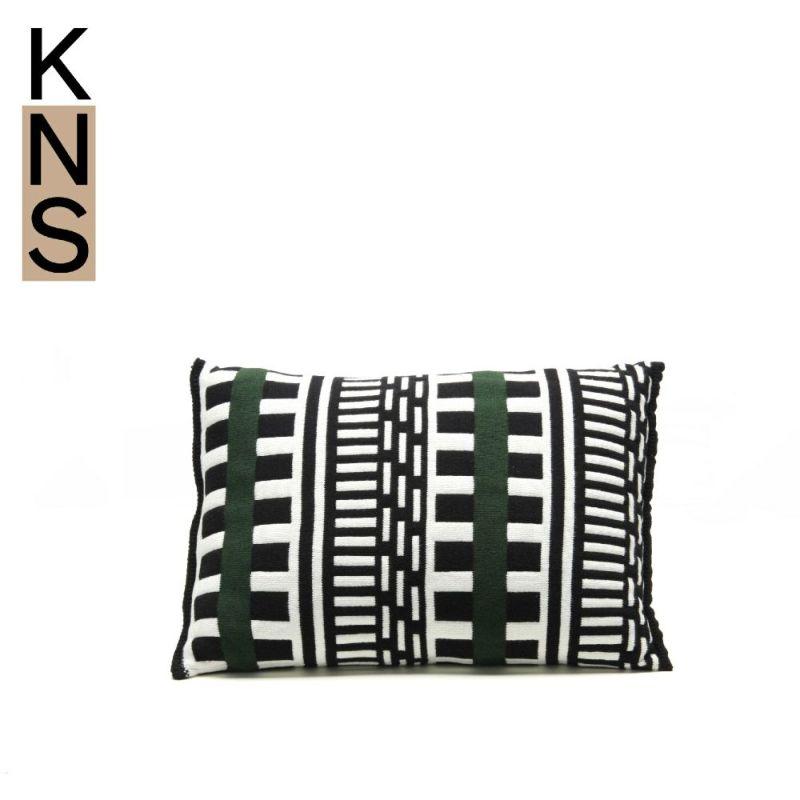 カリモクニュースタンダード ストライプスクッション (Karimoku New Standard Stripes Cushion) ラージ[K3400CKA]